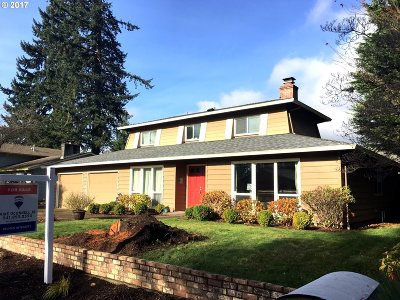 Eugene Single Family Home For Sale: 97 Carthage Ave