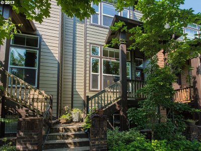 Portland Single Family Home For Sale: 8827 SE 12th Ave