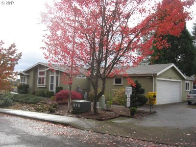 Canby Single Family Home Sold: 1655 S Elm St #1