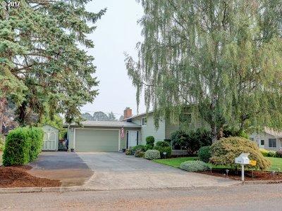 Milwaukie Single Family Home For Sale: 15254 SE La Marquita Way
