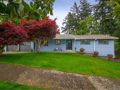 Portland Single Family Home For Sale: 2240 SW Roxbury Ave