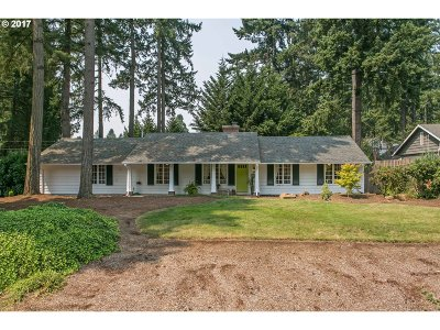 Lake Oswego Single Family Home For Sale: 18963 Longfellow Ave