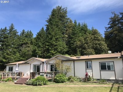Gold Beach Single Family Home For Sale: 95779 Timber Hill Rd