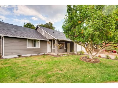 Single Family Home For Sale: 20659 SW Lido St