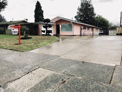 Single Family Home For Sale: 12018 NE Brazee St