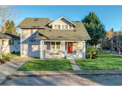 Ridgefield Single Family Home For Sale: 124 S 4th Ave