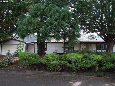 Myrtle Creek Single Family Home For Sale: 141 Gallahad Loop