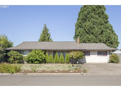 McMinnville Single Family Home For Sale: 9460 SW Bayou Dr