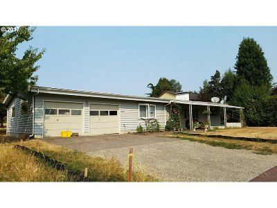 Clackamas Single Family Home For Sale: 13723 SE 132nd Ave