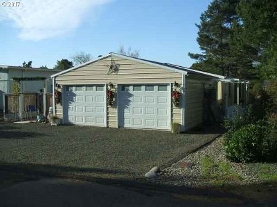 Florence  Single Family Home For Sale: 1600 Rhododendron Dr #217