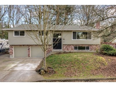 Milwaukie, Gladstone Single Family Home For Sale: 5028 SE El Centro Way