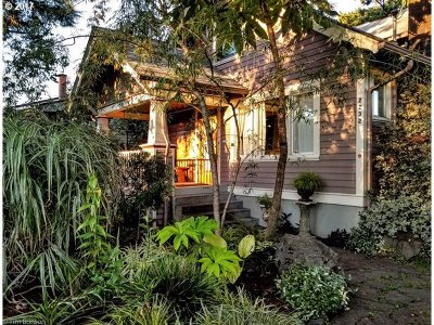 Portland OR Single Family Home For Sale: $575,000