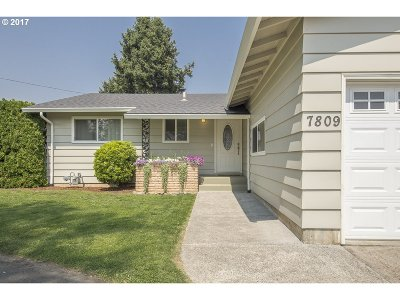 Milwaukie Single Family Home For Sale: 7809 SE Thiessen Rd