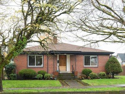 Clackamas County, Multnomah County, Washington County Multi Family Home For Sale: 8427 SE 23rd Ave
