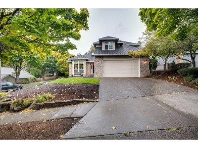 Lake Oswego Single Family Home For Sale: 13758 Regency Ct