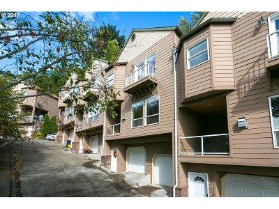 Portland Single Family Home For Sale: 2623 NE Rocky Butte Rd