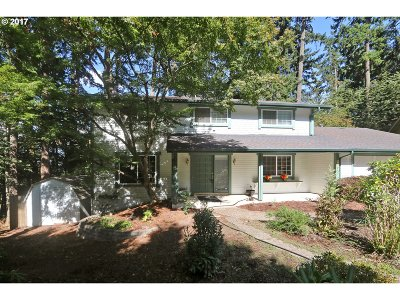 Eugene Single Family Home For Sale: 2570 Chaucer Ct