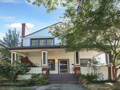 Portland Single Family Home For Sale: 2424 SE Harrison St