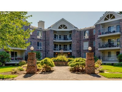 Summerplace Condo/Townhouse For Sale: 15420 NE Knott St #20