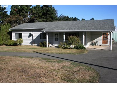 Gold Beach Single Family Home For Sale: 94525 Chandler Rd