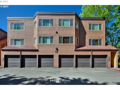Lake Oswego Condo/Townhouse For Sale: 90 Oswego Smt