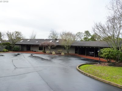 Roseburg Single Family Home For Sale: 1475 SE Kane St