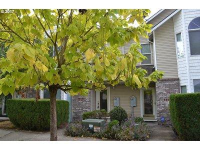 Portland Single Family Home For Sale: 13642 SE Steele St