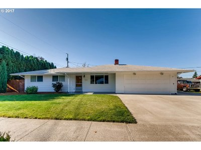 Single Family Home For Sale: 721 SE 135th Ave