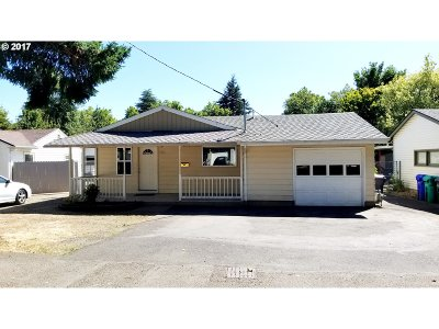Single Family Home For Sale: 8452 SE Mill St