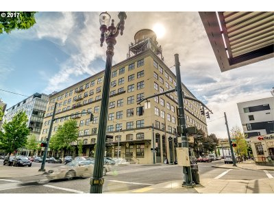 Portland Condo/Townhouse For Sale: 1420 NW Lovejoy St #521