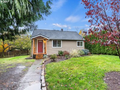 Portland Single Family Home For Sale: 4729 SW Buddington St