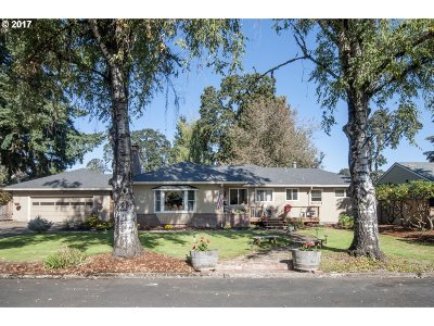Forest Grove Single Family Home For Sale: 2219 13th Ave