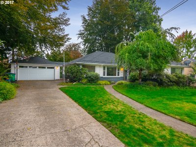 Portland Single Family Home For Sale: 8120 SW 8th Ave