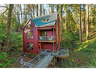 Portland Single Family Home For Sale: 4740 NW Woodside Ter