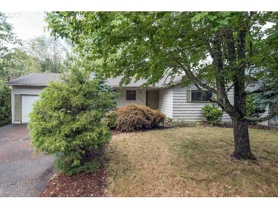 Multnomah County Single Family Home For Sale: 1725 SW 29th Ct