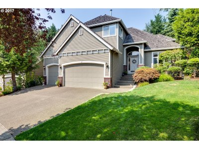 Lake Oswego Single Family Home For Sale: 5320 Southwood Dr