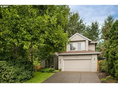 Portland Single Family Home For Sale: 5023 SW Orchard Ln