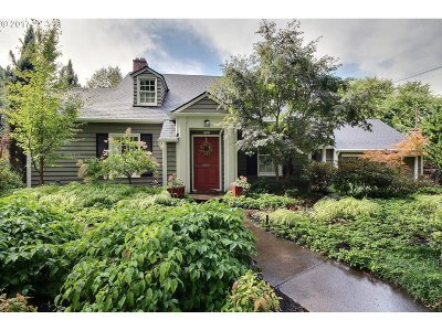 Single Family Home For Sale: 6725 SE 35th Ave