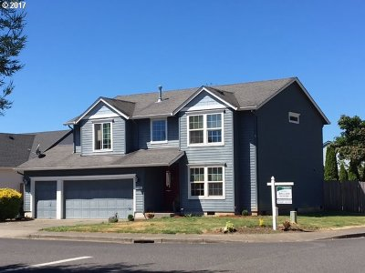 Scappoose Single Family Home For Sale: 51811 7th St