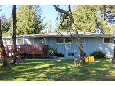 Port Orford Single Family Home For Sale: 253 Coast Guard Hill Rd