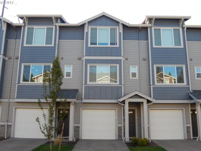 Hillsboro Condo/Townhouse For Sale: 325 78th Ave