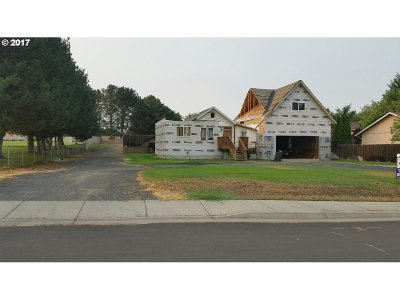 Hermiston Single Family Home For Sale: 958 E Newport Ave