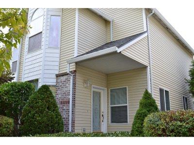 Portland Single Family Home For Sale: 13712 SE Steele St