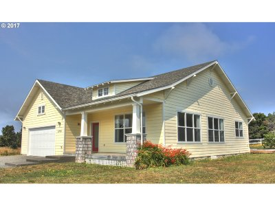 Bandon Single Family Home For Sale: 3870 Grant Pl