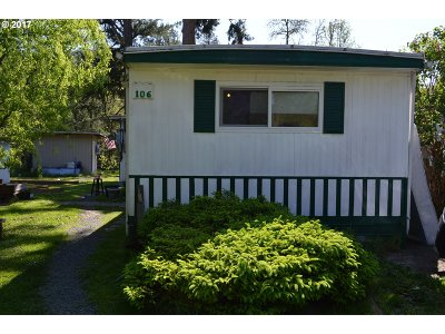 Cottage Grove, Creswell Single Family Home For Sale: 33838 E River Dr #106