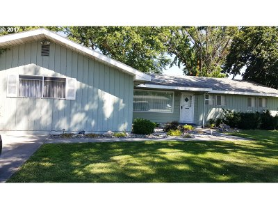 Hermiston Single Family Home For Sale: 935 SE 1st St