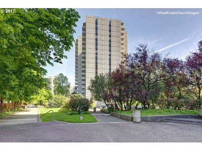 Condo/Townhouse For Sale: 2211 SW 1st Ave #704