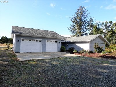 Bandon Single Family Home For Sale: 49324 Hwy 101