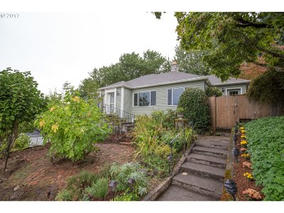 Single Family Home For Sale: 606 SE 58th Ave