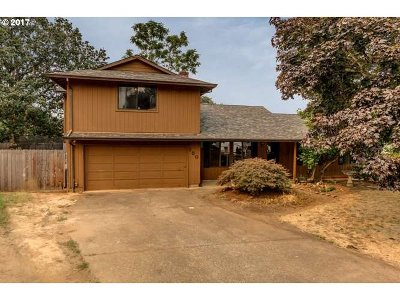 Oregon City Single Family Home For Sale: 150 Woodlawn Ct